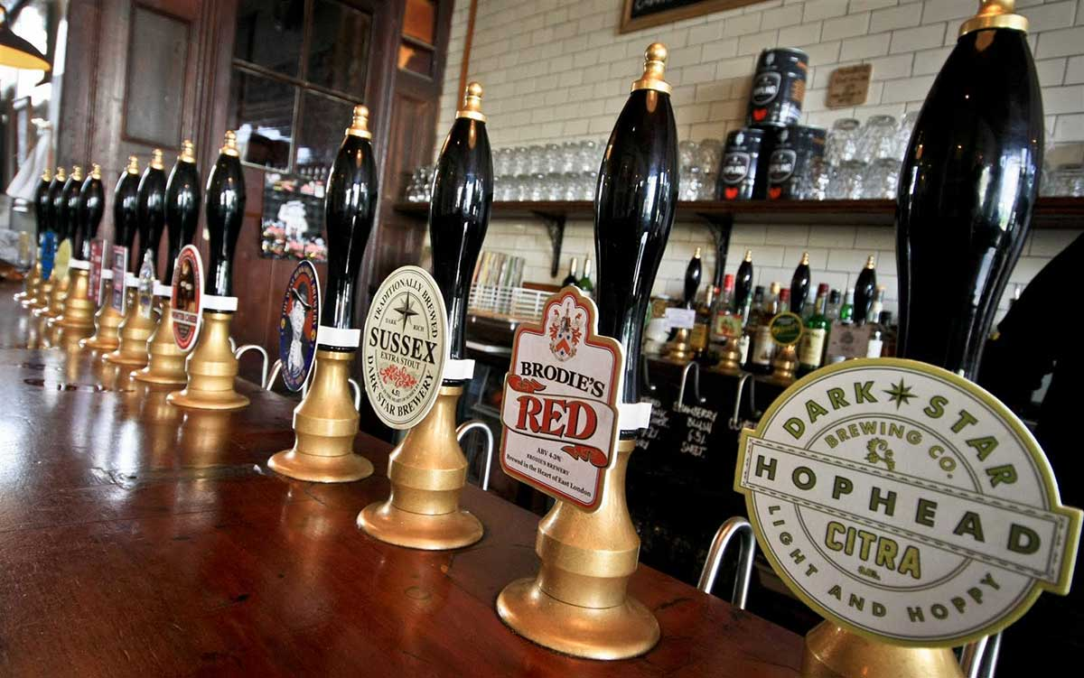 Stay Campus London Top 10 Bars & Pubs Kentish Town Southampton Arms (2)