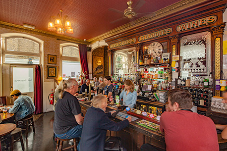 Stay Campus London Top 10 Bars & Pubs Kentish Town The Pineapple (2)
